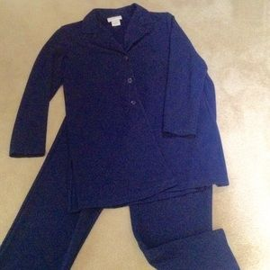 SUSAN GRAVER SIZE MEDIUM NAVY PANTS AND JACKET SET